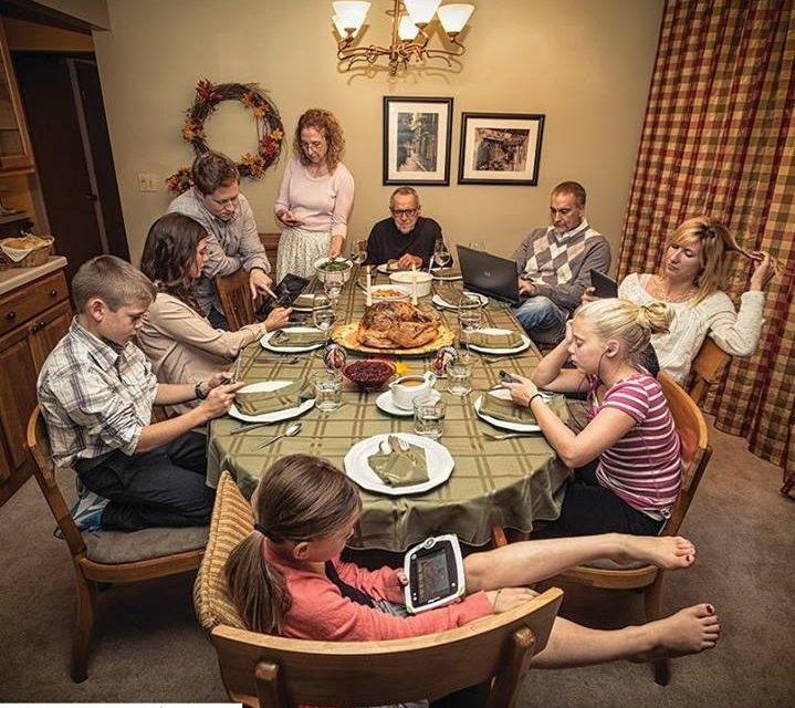 Give Thanks to Your Family by Unplugging