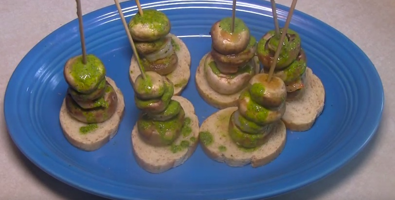 How To Make Shrimp and Mushroom Pinchos