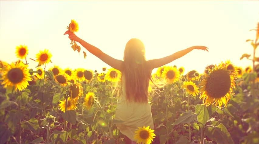 SPRING INTO SPRING!! 7 Ways to Be More Optimistic