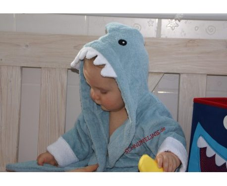 Schnuffelinis' Shark Towel Is Making A Splash!
