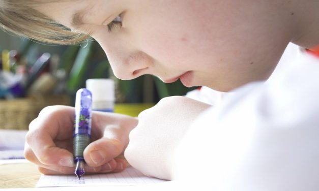 5 Steps to Improve Handwriting skills with Kids