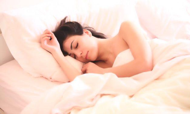 Mom Needs Sleep! 5 Ways to Help Moms Get a Good Night's Rest