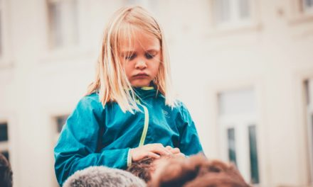 How do you know if a child has been traumatized?