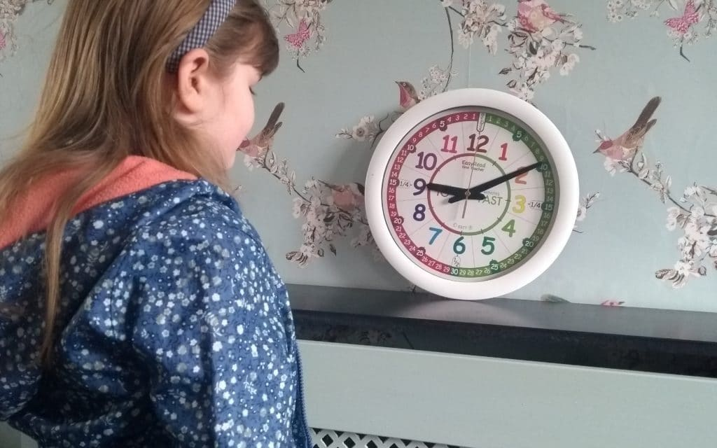 Teach Kids To Tell Time With This